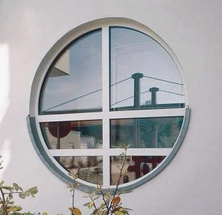 окно круглое фото